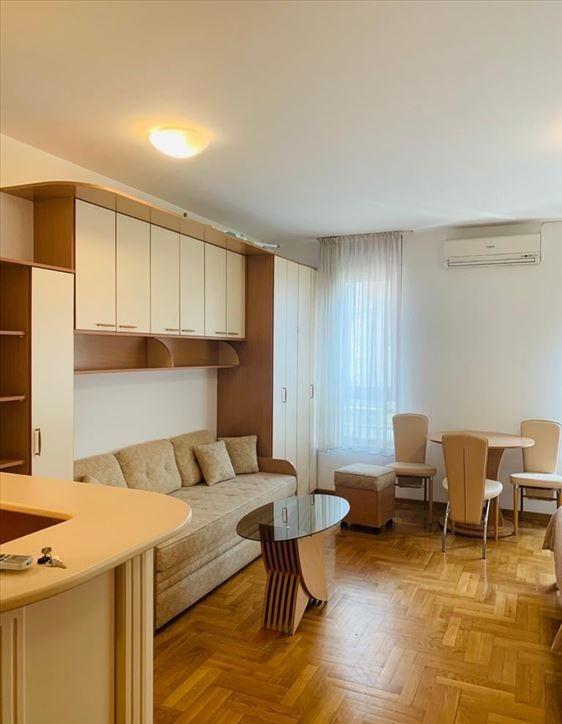 +Novi Beograd-Hotel Jugoslavija-VN 863