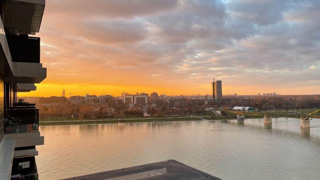 +Savski venac-Beograd na vodi-VN 1157